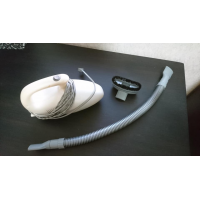 Hand Held Vacuum Cleaner - 1000 yen