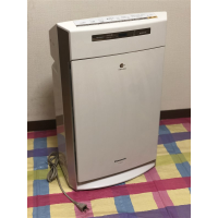 Panasonic Air purifier F-VXH70 in perfect working condition for 10,000 Yens.